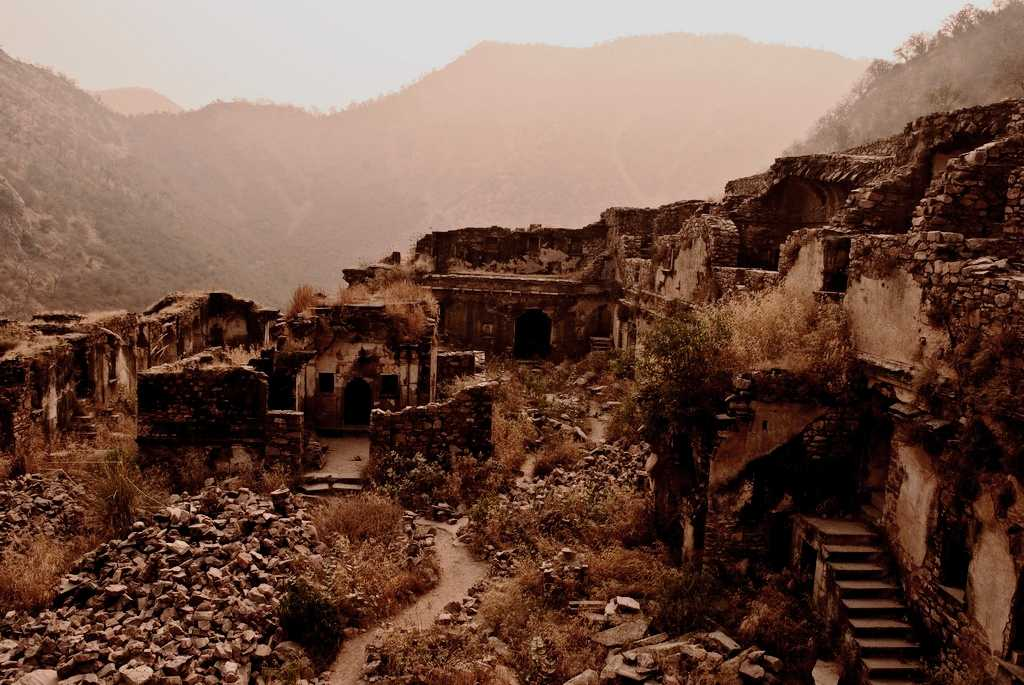 Bhangarh, Haunted fort in Rajasthan India