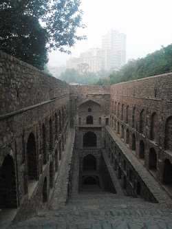 Agrasen-ki-Baoli, near Connaught Place, Delhi: Ugrasen  ki baoli