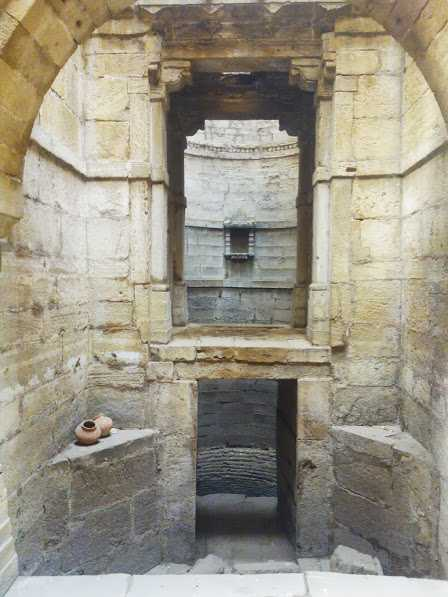L-shaped Amritavarshini Vaav, Ahmedabad, Gujarat: Ancient baoli in India