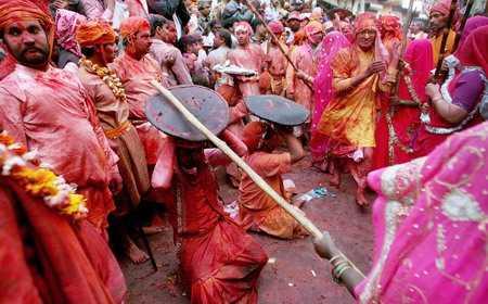 Lathmar Holi in Barsana, Uttar Pradesh: Barsana Dham, holi in vrindavan