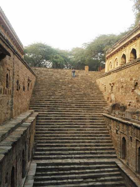 Rajon-ki-Baoli, Delhi: Places near Adham Khan's Tomb