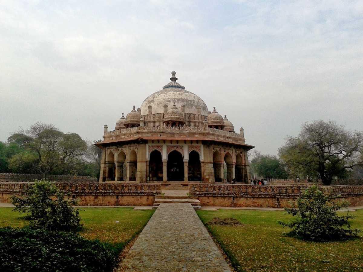 Tomb of Isa Khan, Delhi: Place near Humayun's Tomb
