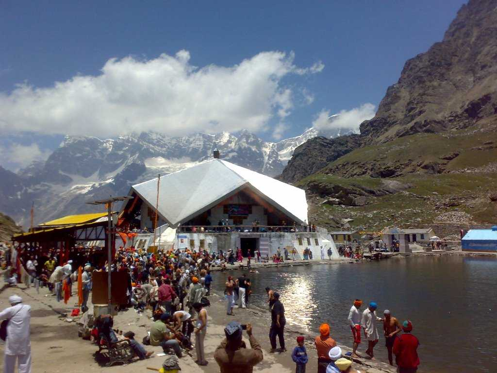 Hemkund Sahib, places to visit in June in India