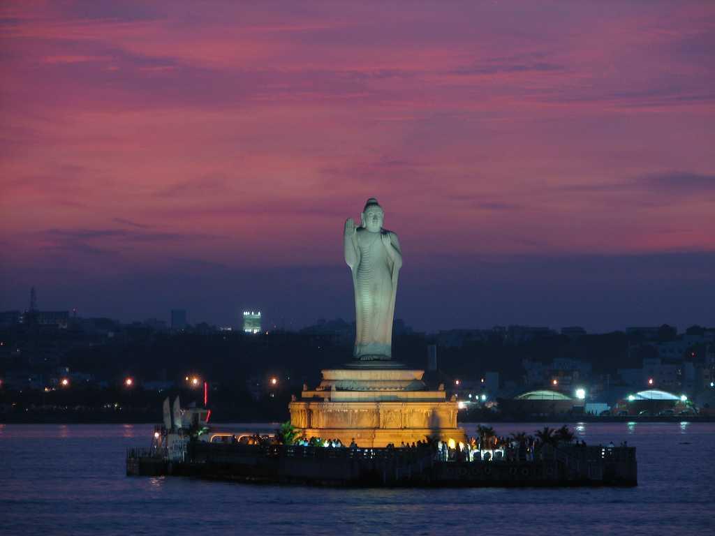 Buddha,Hussain Sagar Lake, places to visit in telangana