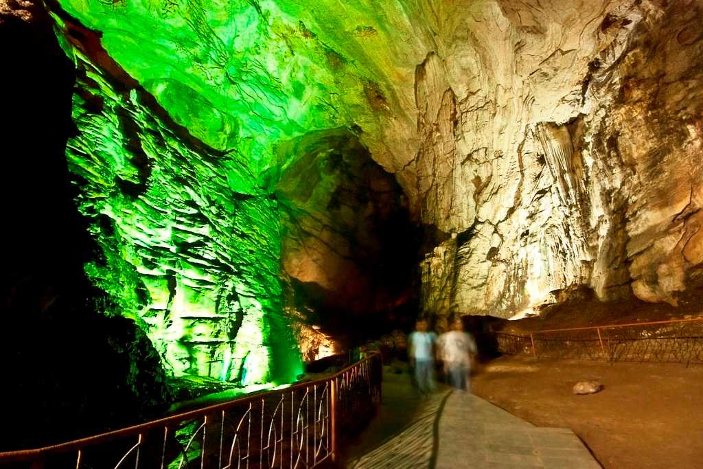 Borra Caves, Araku Valley (Credits: Source)