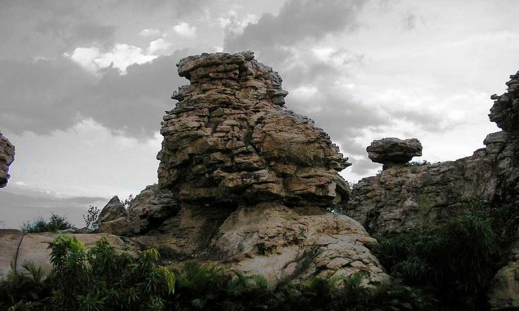 Orvakal Rock Garden, Kurnool (Credits: Source)