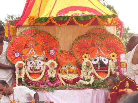 Idols being brought out from the temple,  Rath Yatra 2015