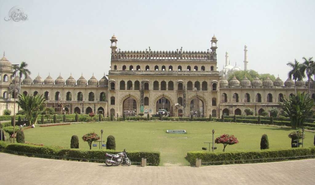 Bara Imambara (Source)