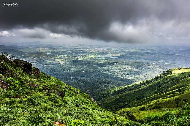 visit Mullayyangiri in monsoon near Bengaluru
