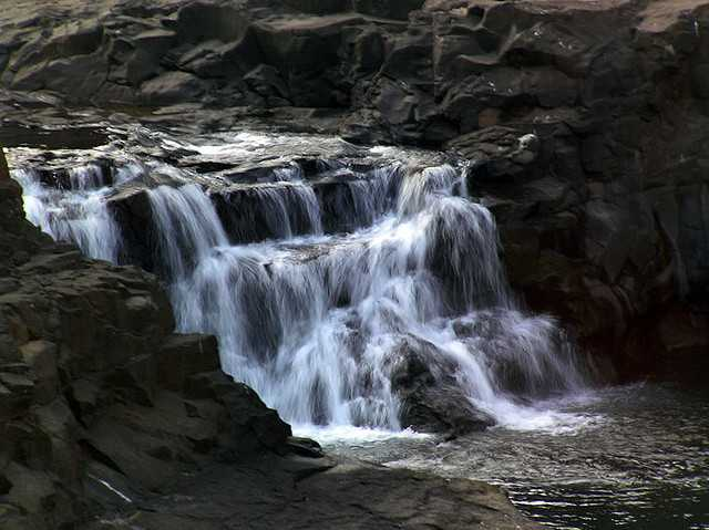 Randha WaterFalls near Mumbai in monsoons