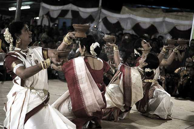 Traditional dance, Kolkata Durga Puja  Festival 2017