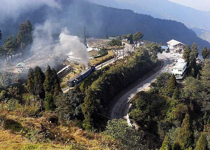 Darjeeling railway batasia loop