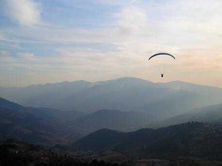 Patnitop, Paragliding place to travel in india in december