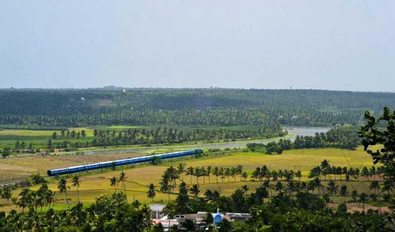 Train passing at Chunkankadai (Source)