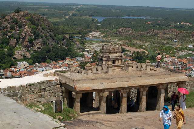 Shravanbelagola, places to visit in winter near bangalore