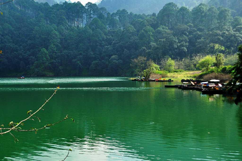 Stunningly Beautiful Lakes In India Holidify