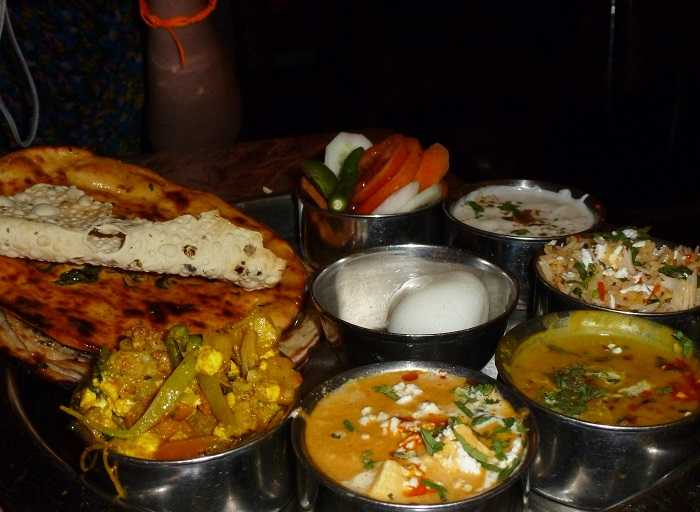 top 23 places famous for local food in india
