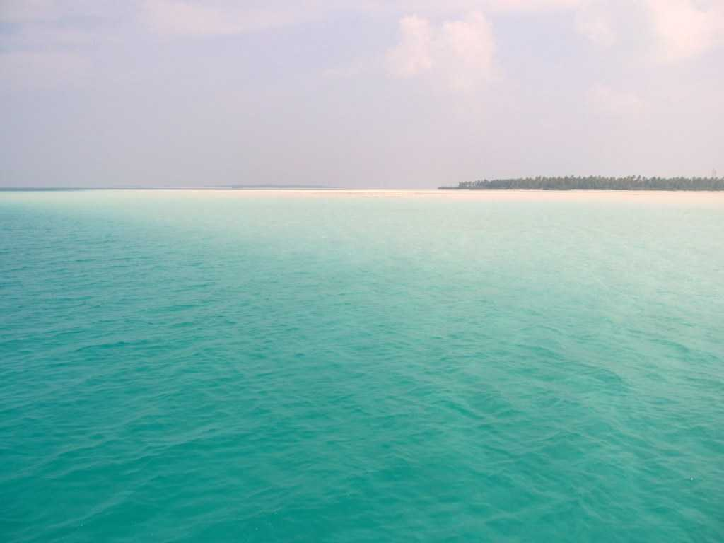 blue waters and lagoons in Lakshadweep