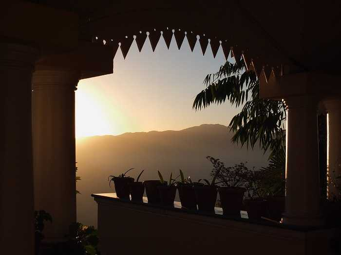 Darjeeling, Romantic Getaways from Kolkata, Romantic Places Near Kolkata, Valentine's Day