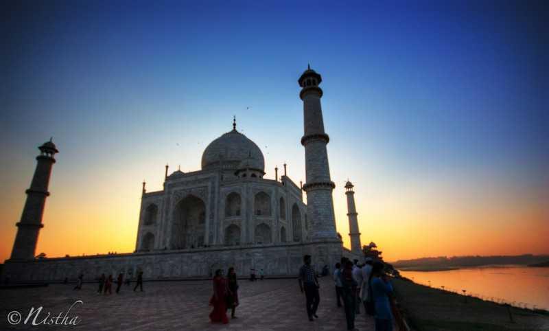 Best Bike App >> Visiting the Taj Mahal at Night | Holidify