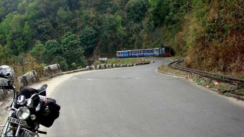 Darjeeling, places to visit in april in india
