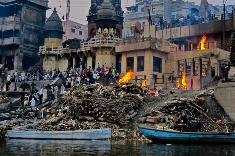 Mahashamshan at Manikarnika Ghat (Source)
