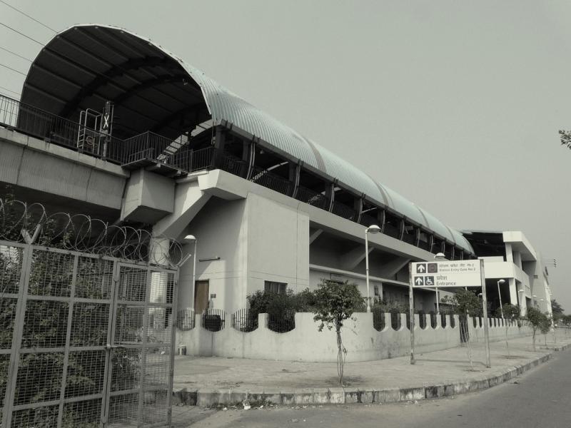 Dwarka Sector 9 Metro Station - Spooky, isn't it?(Source)