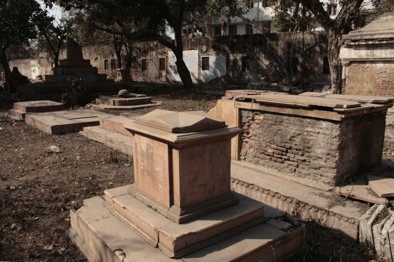 Lothian Cemetery, Haunted places in delhi