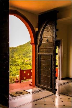 Stayed at a heritage property 'Kumbhalgarh Villas' and was offered great hospitality with lawn facing rooms