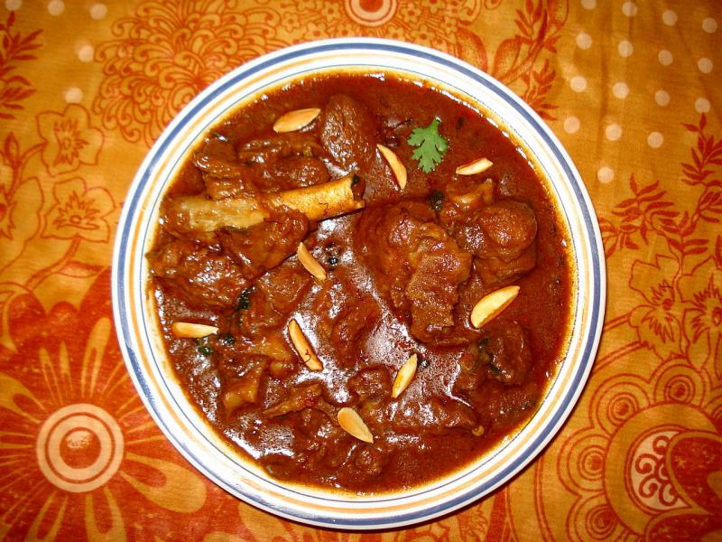 18 Kashmiri Food Dishes | Local Kashmiri Cuisine