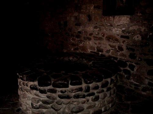 The Well in Ram Sakit Building, Mahim - Haunted places in Mumbai