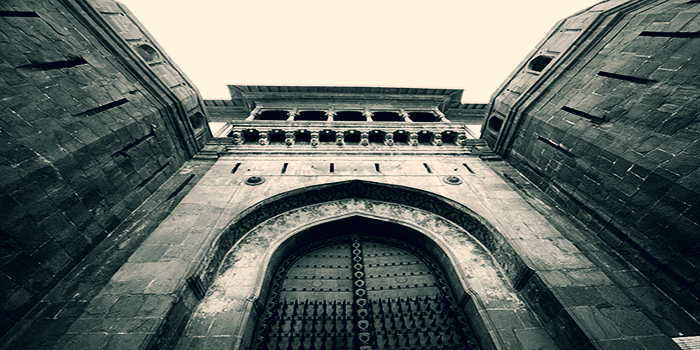 The imposing gateway of Shaniwarwada Fort. courtesy: Vargis Khan