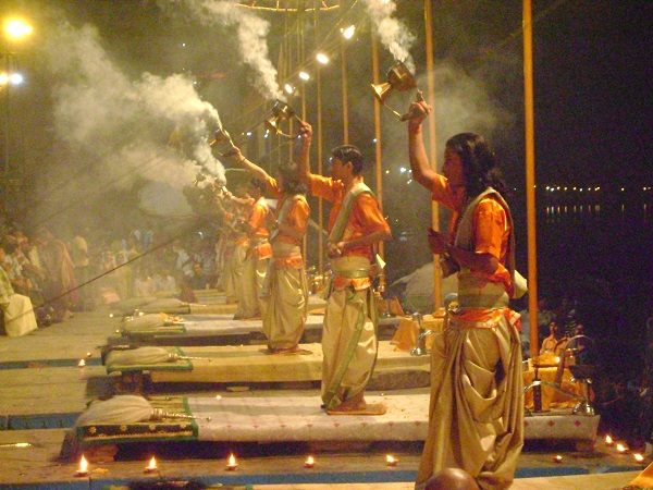 Ganga Aarti in Banaras_Holidify