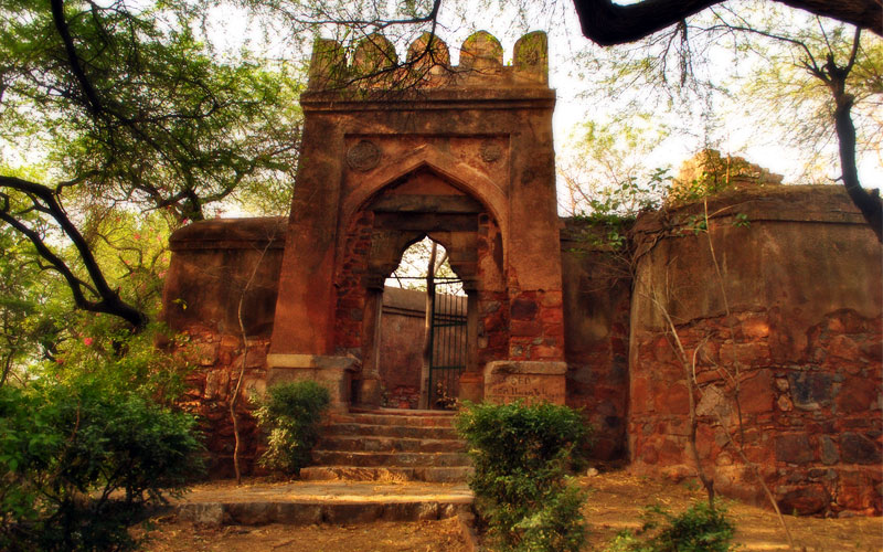 15 Haunted Places in Delhi That You Must NOT Visit Alone!
