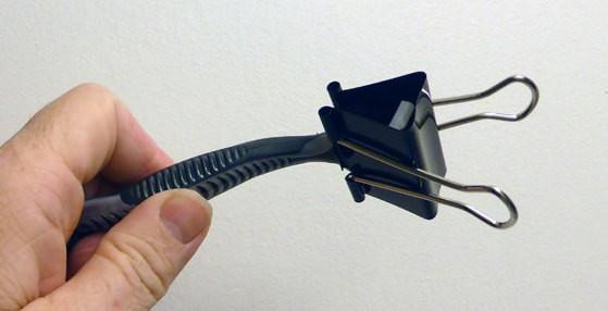 binder clip razors travel hack