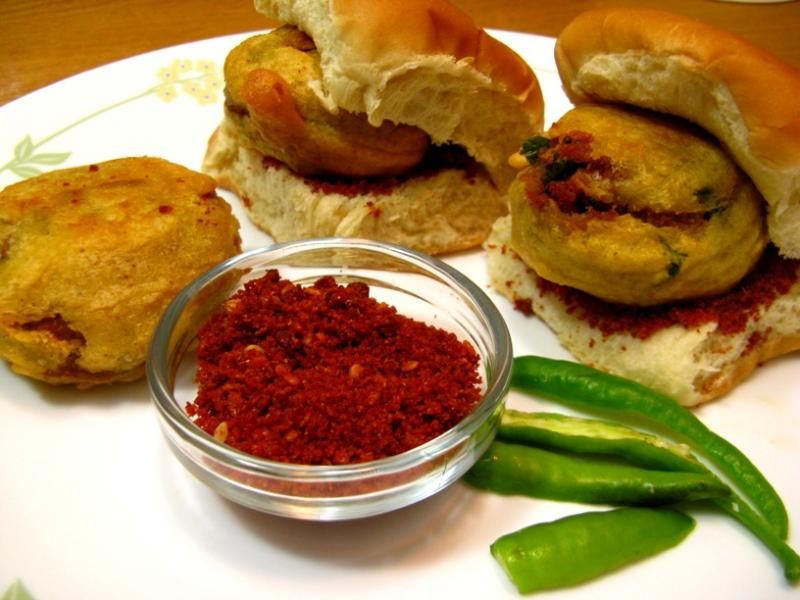 Best Places To Eat Vada Pav in Mumbai: ashok vada pav