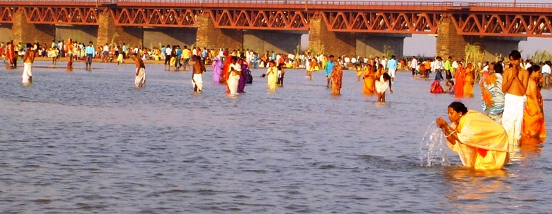 Devotees praying to the Sun God, Chhath Puja