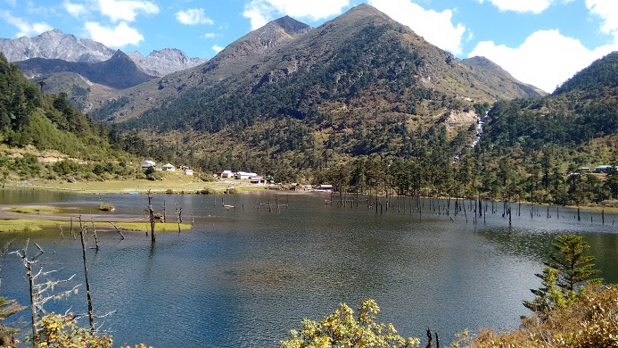 Madhuri Lake, makes your heart miss a beat