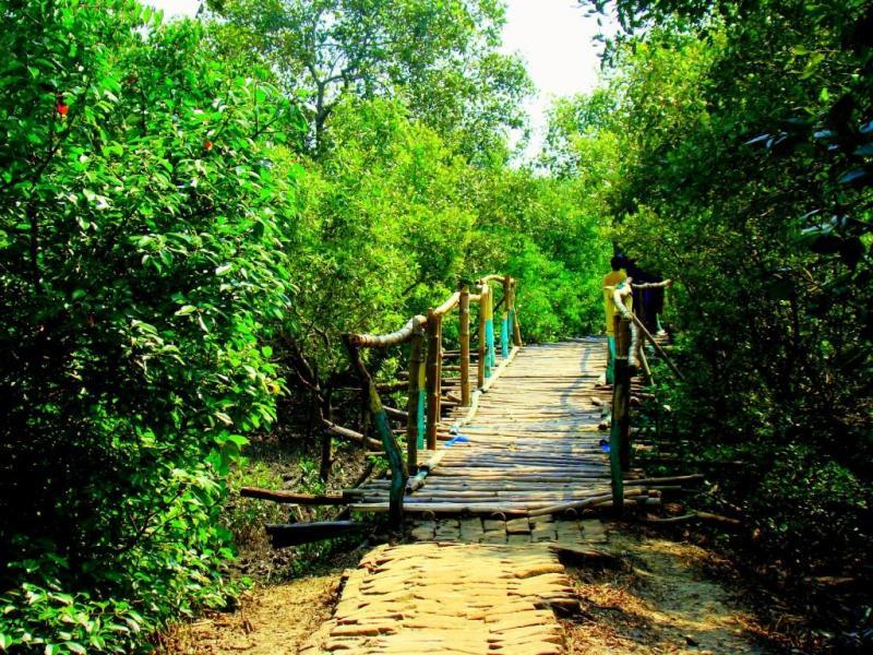 Bridge near Henry Island