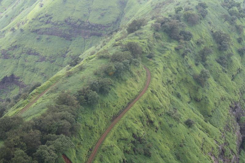 The beautiful route of Matheran Railway - Mountain Railways of India