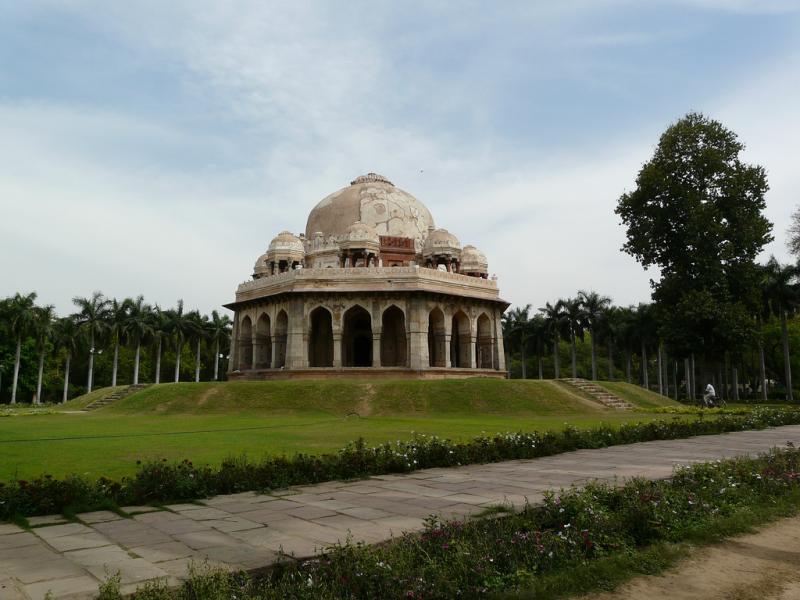 Lodhi Gardens - Picnic Spots Near Delhi