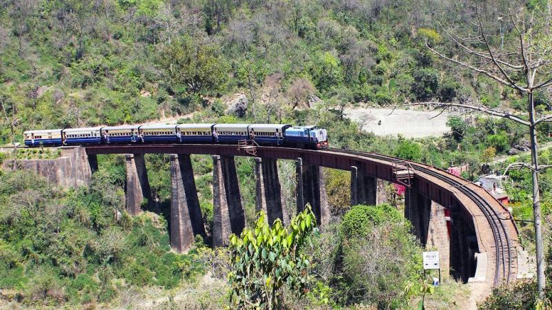 The kangra valley railway passing through Bathu Khud. Isn't the site just breathtaking? - Mountain Railways of India
