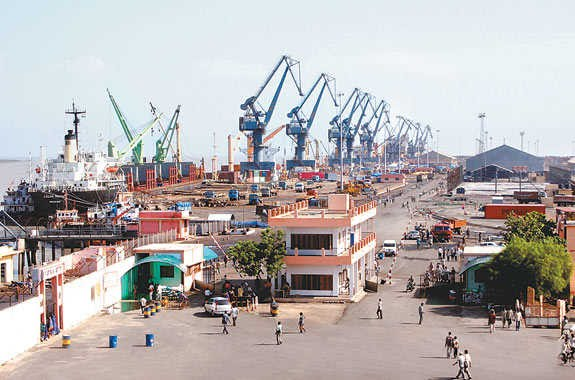 The Kandla Port - Seaports of India