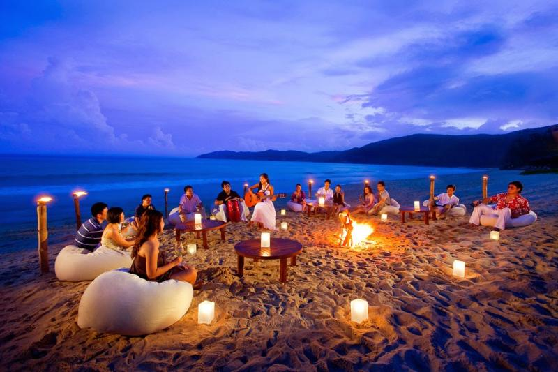 Just sing your heart out and have an amazing and peaceful night with your friends in Goa on new years