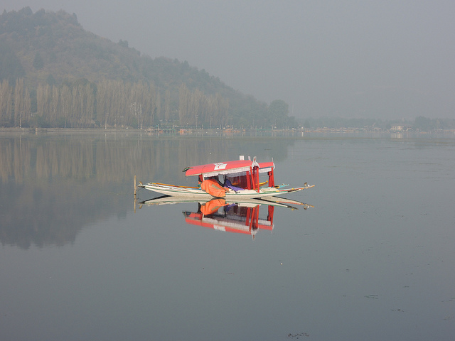 Kashmir- Shikara_Holidify, Things to do in Kashmir