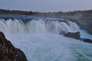 Dhuandhar_falls