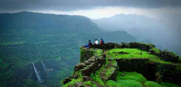 10 Treks in India For Beginners