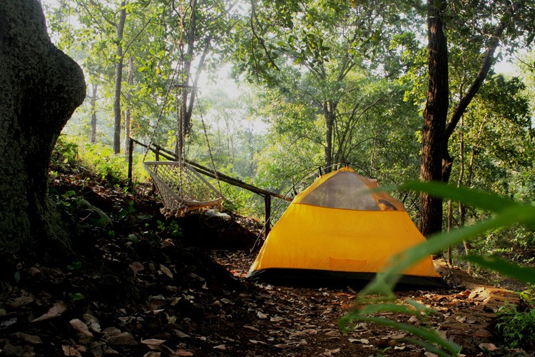 Big Red Tent – Kolad_Holidify