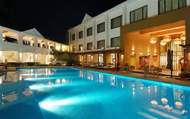 Kensville club resort