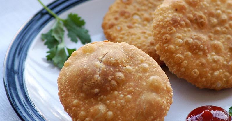 Pyaaz Kachori at Rawat Mishthan Bhandar_Holidify, Street Food In Jaipur
